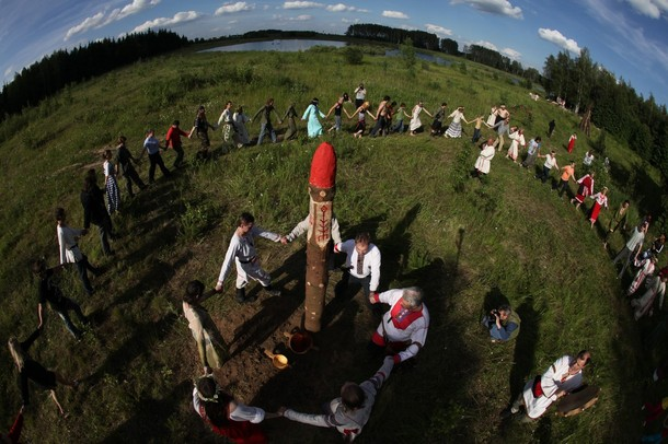 Russian Neo-Pagans Celebrate Summer Solstice